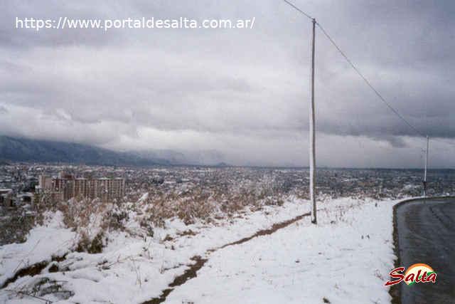 Foto de la ciudad de Salta desde la ruta a San Lorenzo.