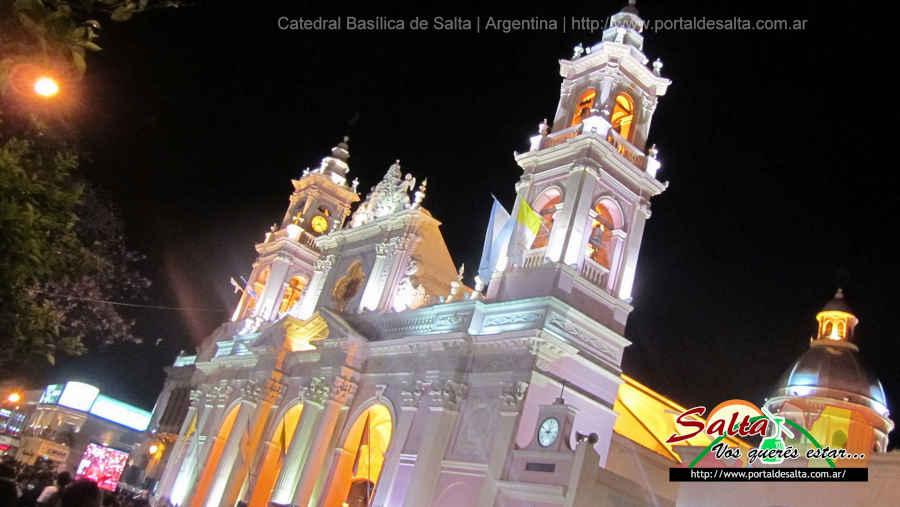 Foto de la Catedral Basílica en época del Milagro, Salta