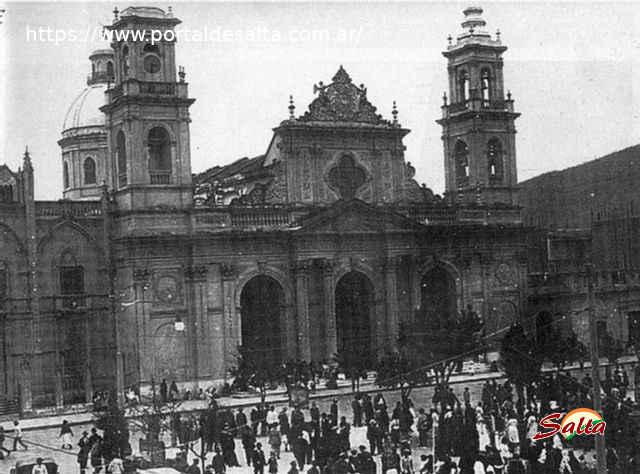 Foto de la Catedral a principio de siglo, Salta.