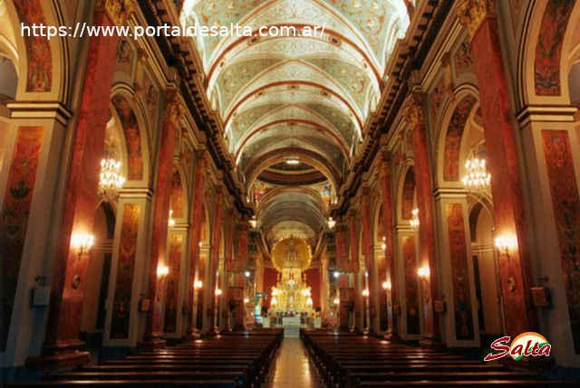 Foto del Interior de la Catedral de Salta.