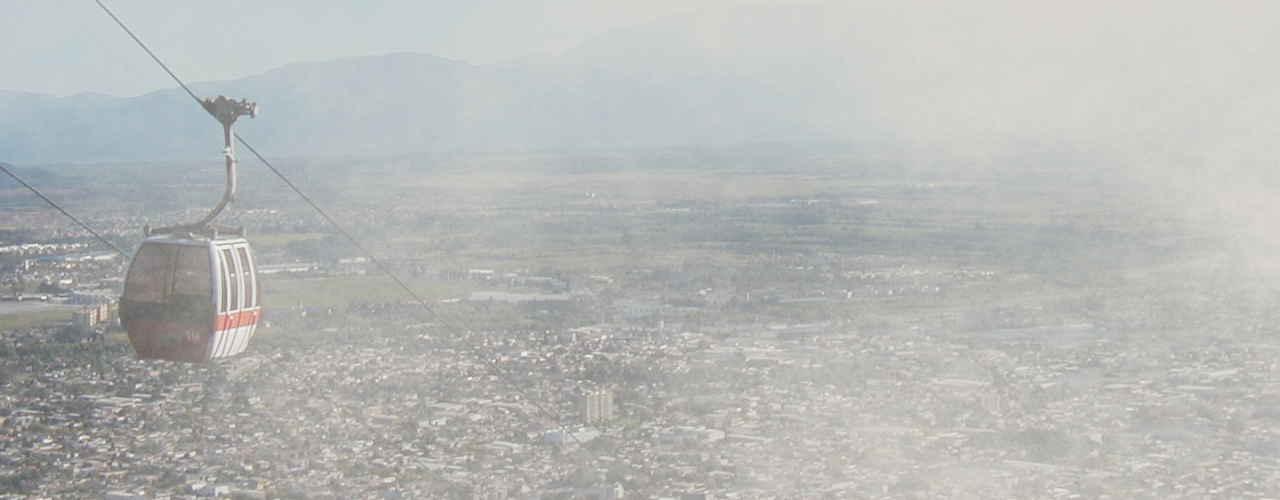 Unsplashed imagen del teleférico y la ciudad de Salta desde el cerro San Bernardo